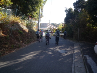 01駅から登山口途中_0001.JPG